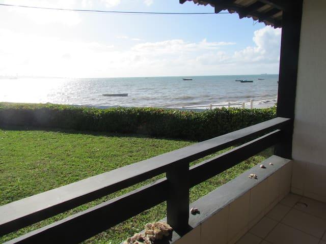 Vista para o mar da varanda