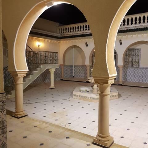 chambre d'hôte dans maison atypique orientale