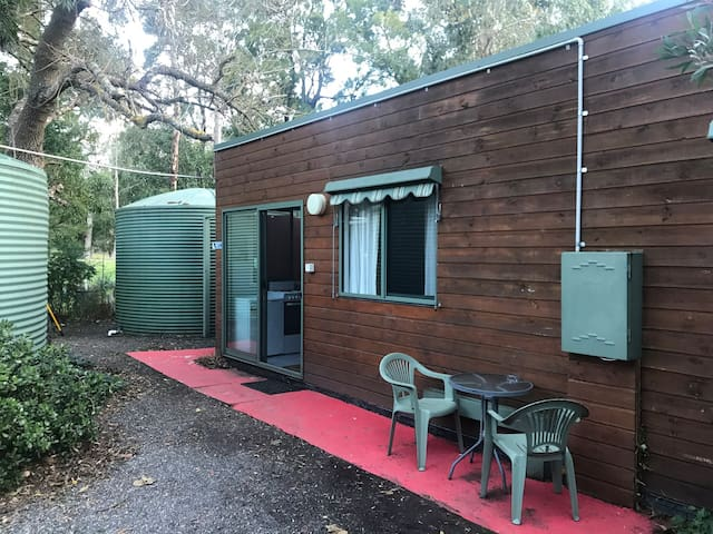 Tim's Place Studio Apartment in the Bush