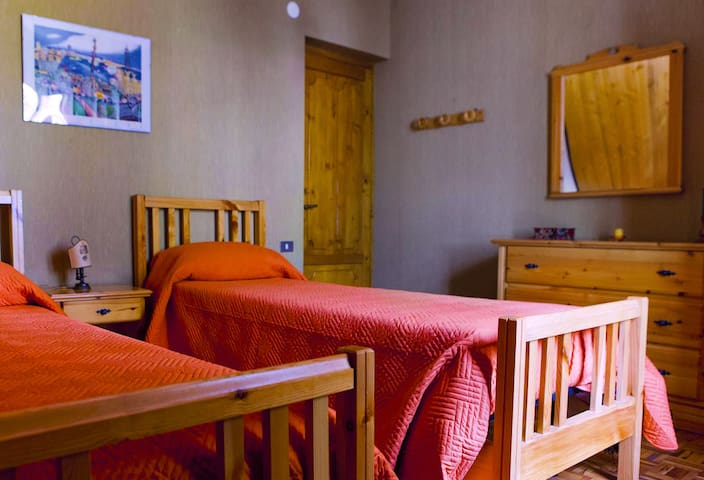 Stanza privata in villa nei boschi della Sila
