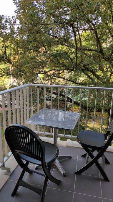 Pour profiter des beaux jours sur le balcon.