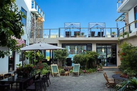 洱海边的家·恬舍酒店豪华海景双床房 - Dali - Boutique-hôtel