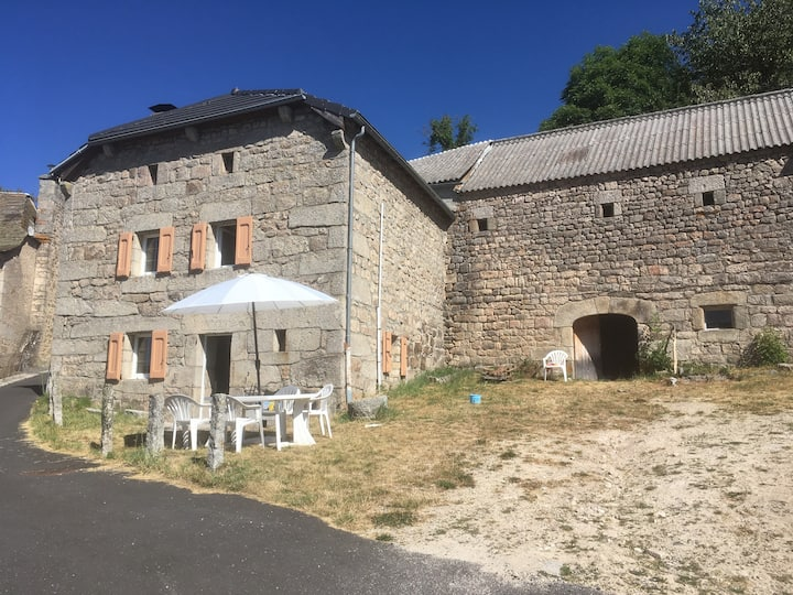 gite authentique confortable Aubrac Margeride