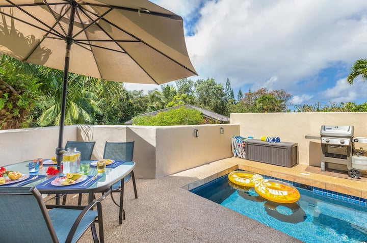 Charming and Bright, Private Free-Standing Cottage with a dipping pool!
