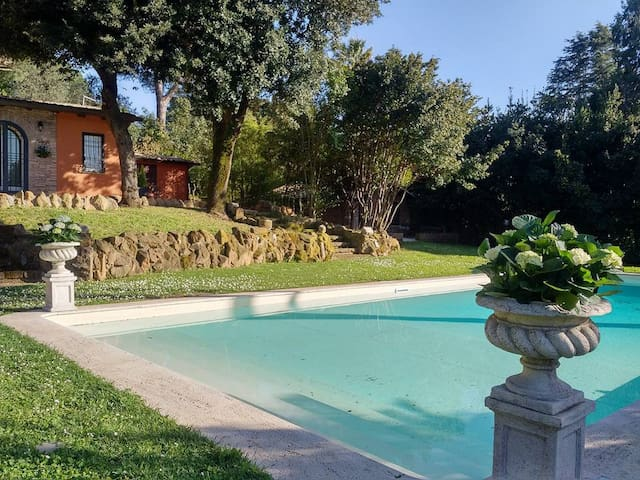 VILLA BARBARA'S GUEST HOUSE ON THE OLD APPIAN WAY