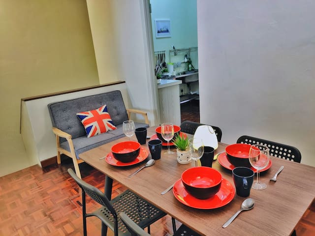 ★Queensbay Mall★ 3~6 Pax, 3 Bedrooms, 1 Car Park