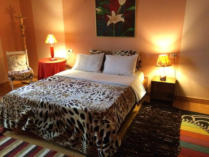 South Flowers- Handicapped accessible flat...