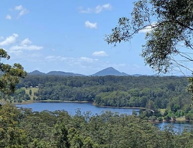 Sunshine Coast Hinterland Magic with Water Views - Yandina
