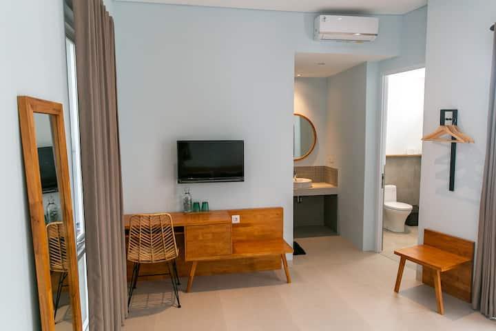 Coco & Pineapple Pants Hostel Canggu - Suite Room