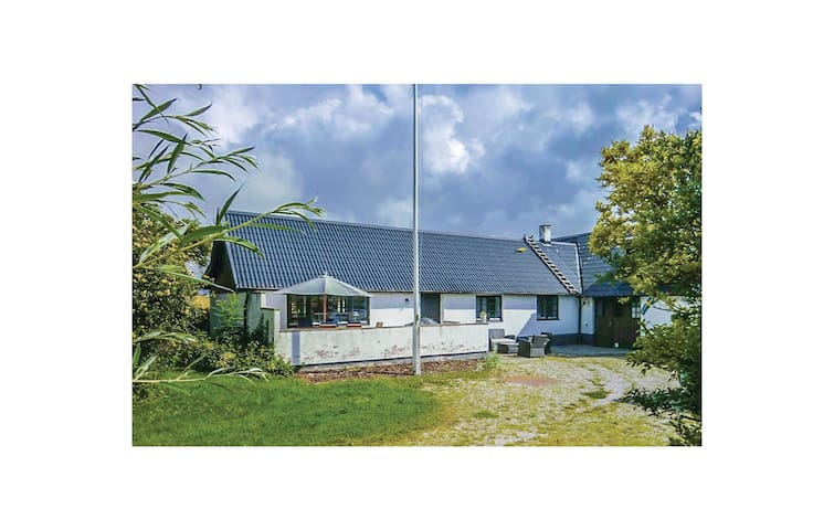 Semi-Detached with 3 bedrooms on 150m² in Hammenhög