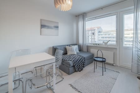 Light and cosy 1br apartment with balcony for 4