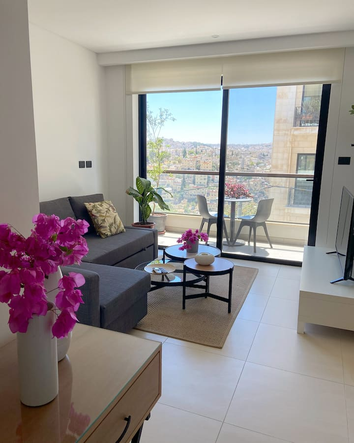 Nu Fifty Two - City View Apt - 302