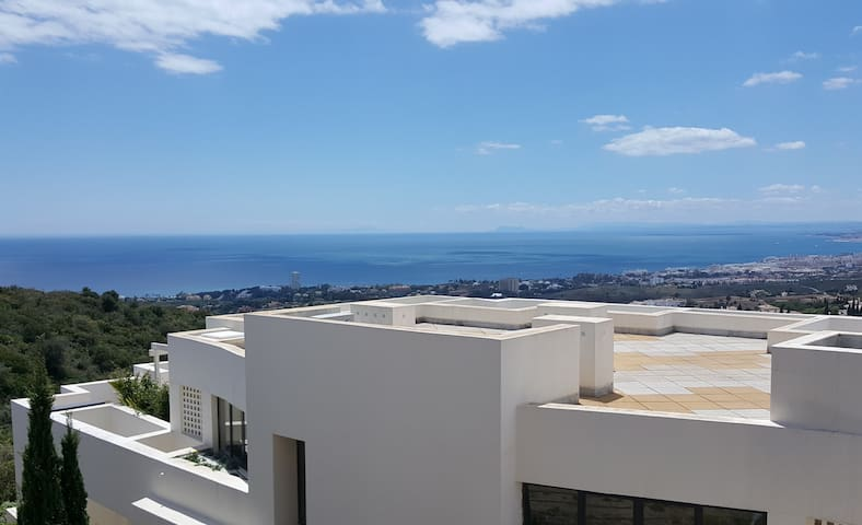 Marbella, stunning sea views, 4 pools, near golf