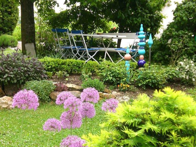 Ferienhof Bimesmeier (Triftern), Ferienwohnung 2 (45qm) mit Balkon und Küchenzeile