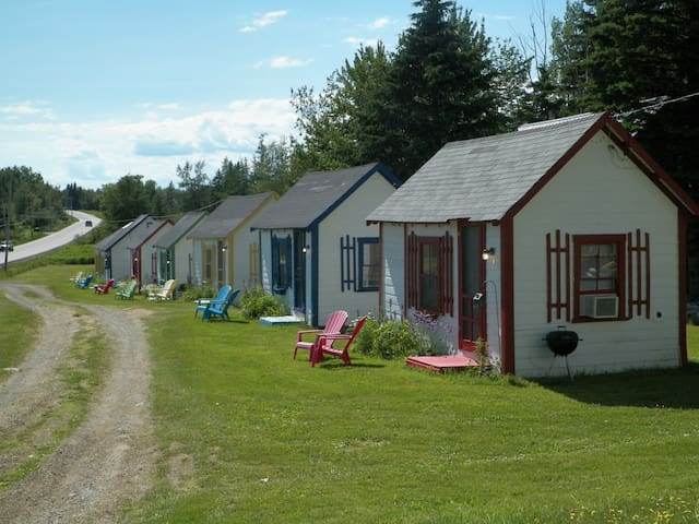 Aweigh Downeast Lodge and  Cabins