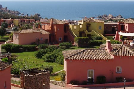 Great Sardinian holidays for up to 7 - Costa Paradiso