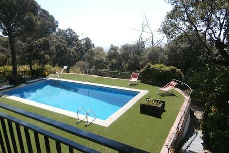 Les Suris: House with spectacular sea views - Mataró - Casa particular