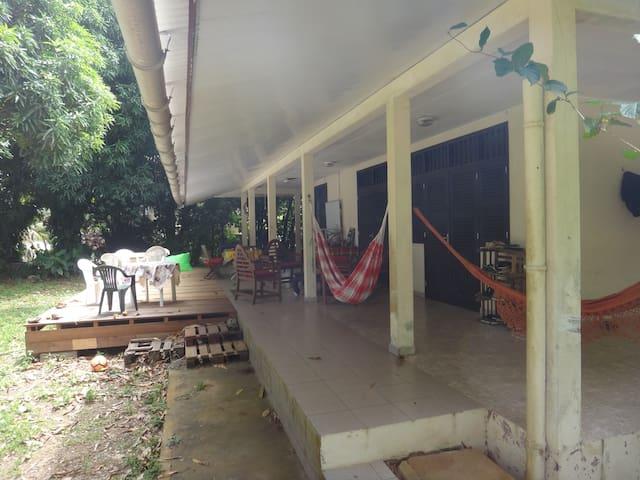 Chambre à coté de Cayenne (Remire) - Remire-Montjoly - Huis