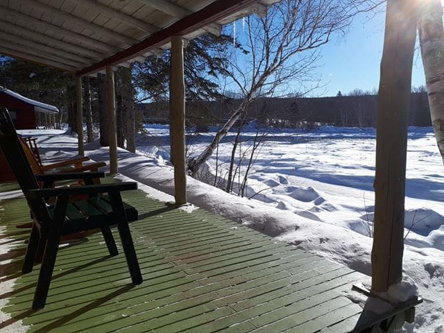 Private all-Season pine Cabin on the Miramichi - 7