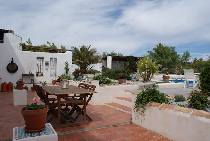 Bed and Breakfast rooms in Lovely Family Cortijo