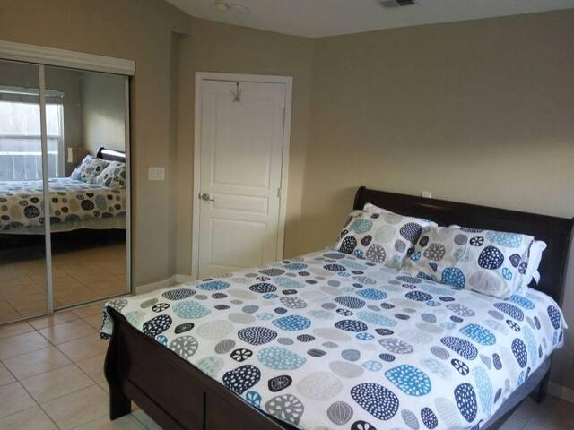 Modesto, Private, Comfortable bedroom 3