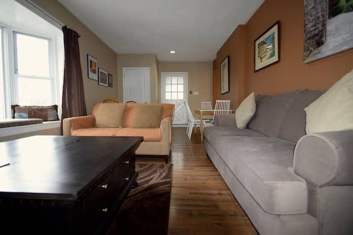 Great 4 Bedroom w/Parking Toronto (Weston Village)