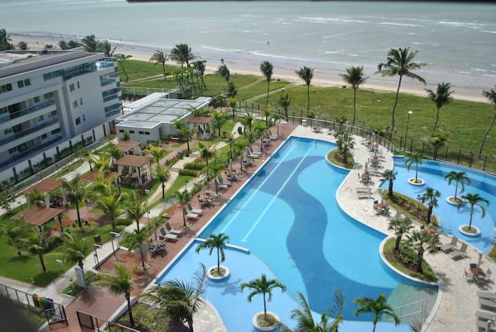 Apartamento localizado a beira-mar