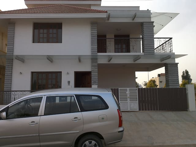 Three bed room independent villa - Bangalore - Haus