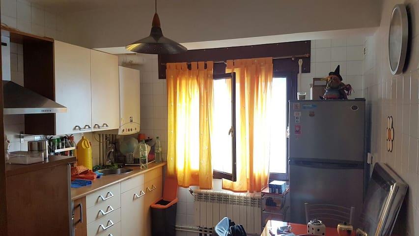 Casa acogedora en Burela completa o por habit. - Burela - Pis