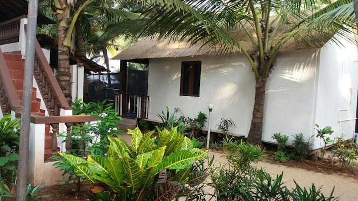 Well-furnished beach hut in Agonda