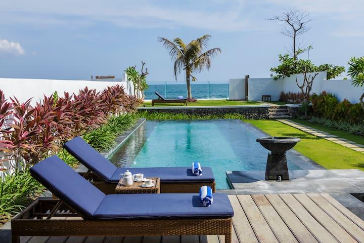 Luxury 2 Bedroom Beachfront Villa - Blahbatuh - Villa