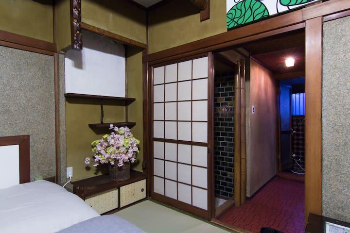 5 min to Senso-ji 203 ASAKUSA RAITEI Private room