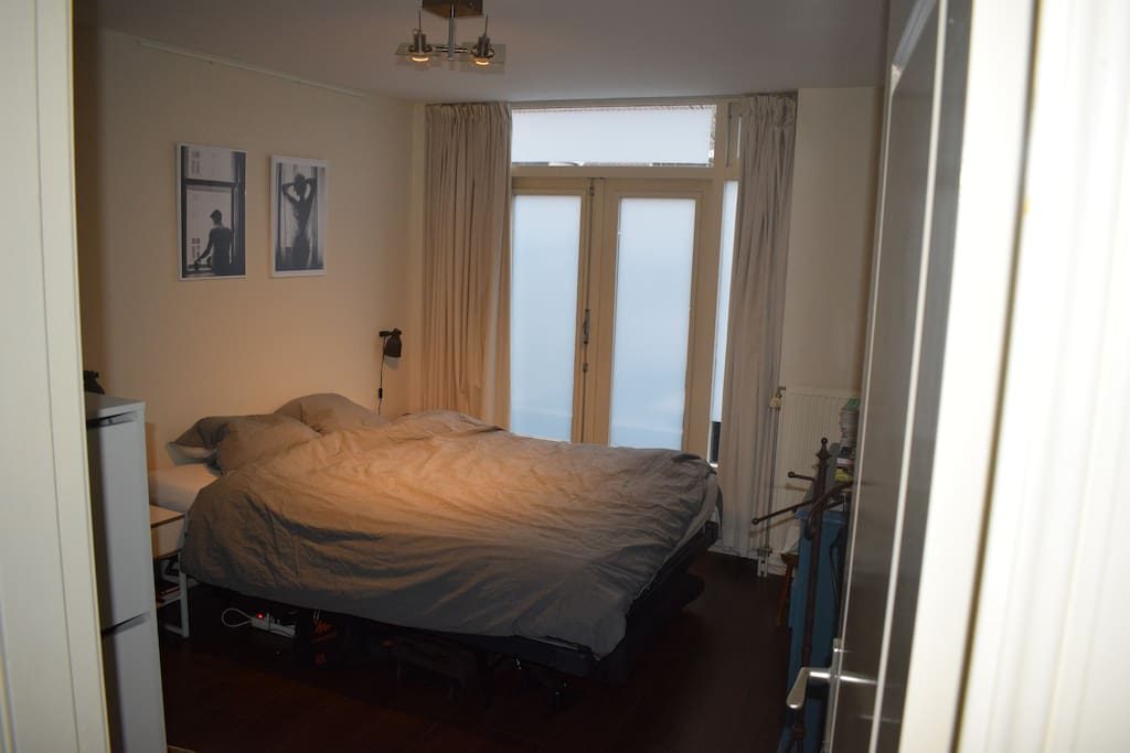 The bedroom has a large 220 x 160cm bed, large blinded windows and plenty of closet space. The second bedroom isn't used as a bedroom momentarily. However, at request, an air mattress with additional sheets and blankets can be provided.
