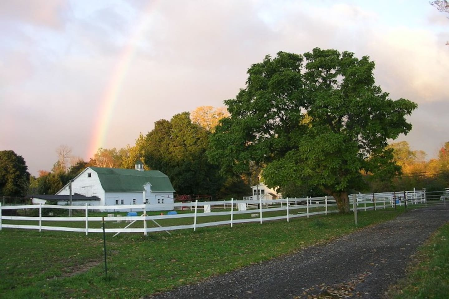 The Horse Barn and riding ring at Maple View Farm
