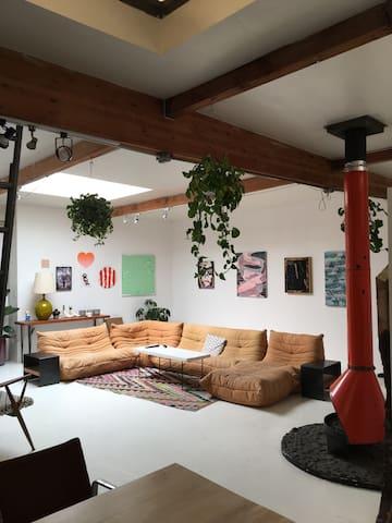 Real artist's loft!
