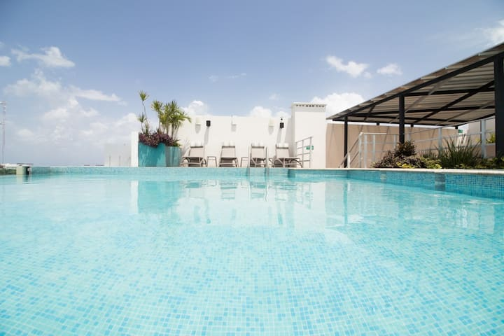 The Gallery/3 BR apartment/Rooftop pool by octopus