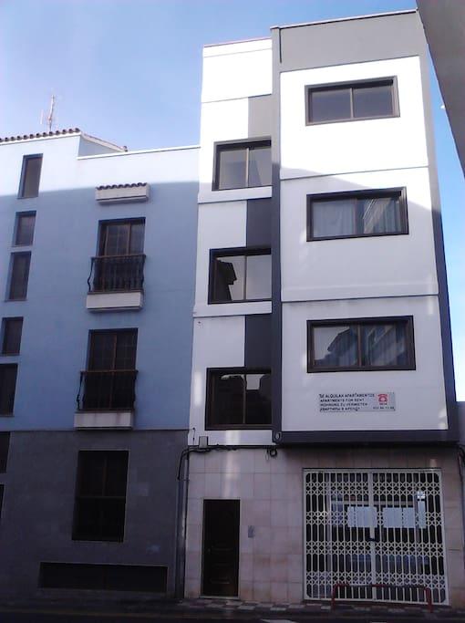 3 floor Building.