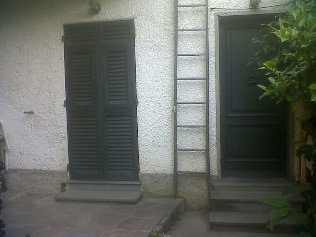appartamento in bifamiliare - Mezzanego