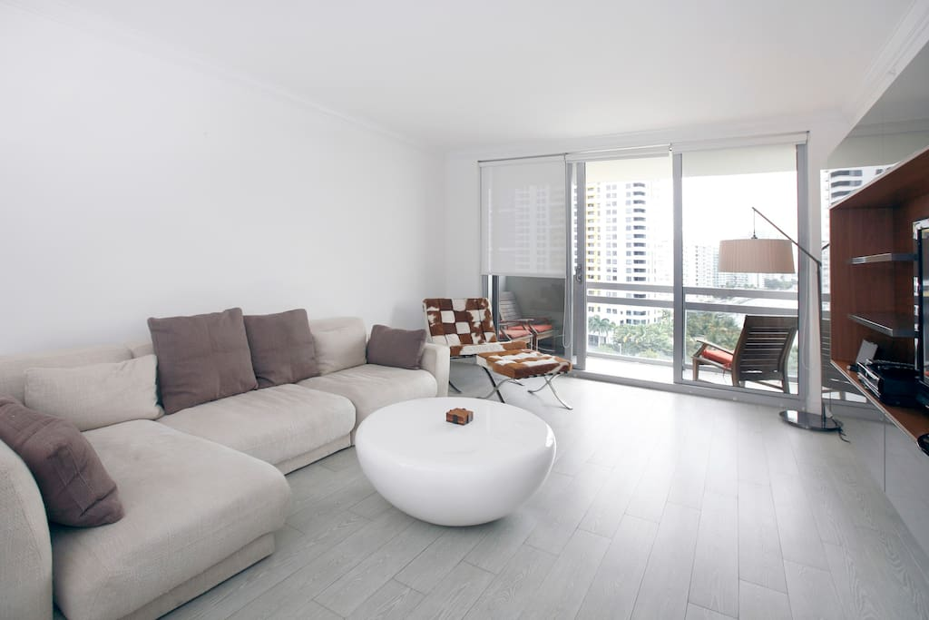 Elegent Living Room with Cable HDTV and Wi-Fi Over Looking The Miami Bay