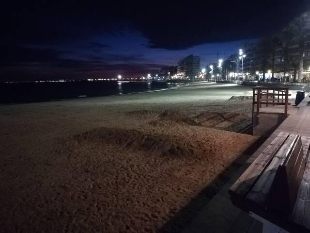 Piso  Torrevieja Acogedor y a 200 metros la playa