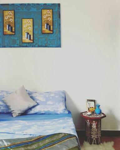 blue room beach/ Yoga/ Surf/free wifi