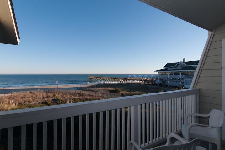 Lumina5-Take in breathtaking views at this oceanfront town home with boat slip!