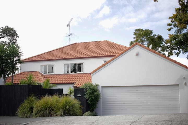 4bd Northcote Pt. home, close to beaches and city! - Auckland - House