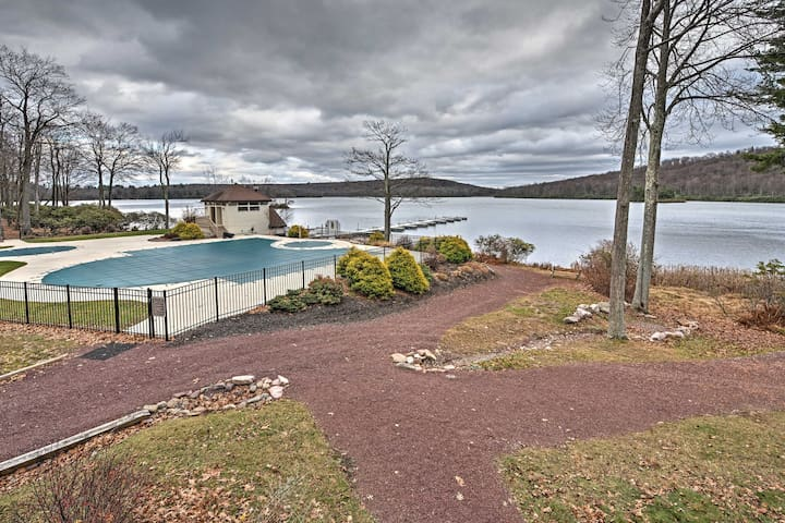 2BR Lake Harmony Condo w/Stunning Lake Views! - Lake Harmony - Appartement en résidence