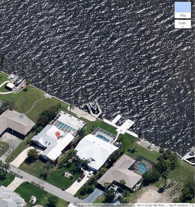 Best Location in Cape Coral right on the River