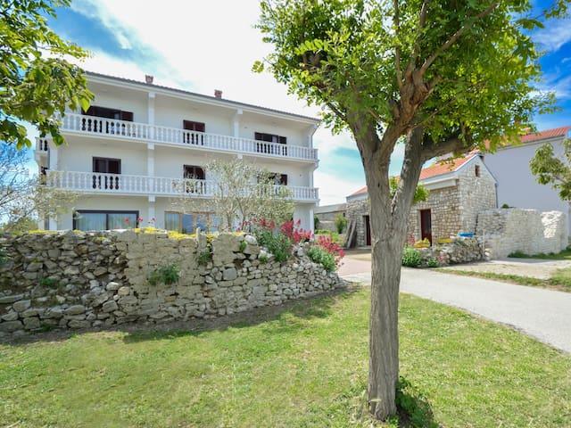 Holiday Apartment Pijaca in Nin