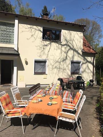 Ruhige Lage in Erlangen 3 min zur Bergkirchweih