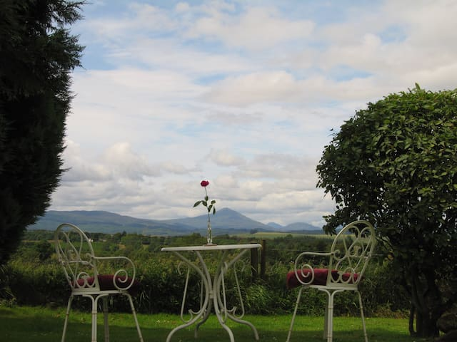 STUNNING TRANQUIL BEN LOMOND VIEWS - Glasgow - Bed & Breakfast