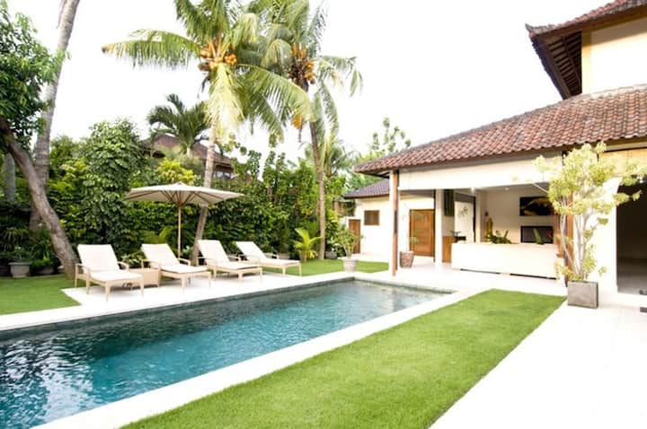 Aisha, 4 Bed Villa,Best Central Location, Seminyak