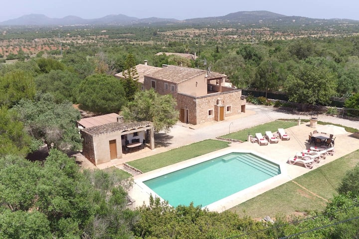 Finca ES FIGUERAL for 8 in Santanyi with pool